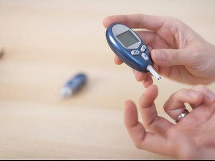 Mengendalikan gula darah menjadi tantangan bagi para penyandang diabetes. (Foto: Thinkstock)