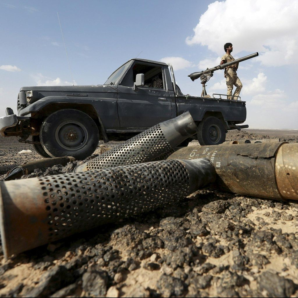 Arab Saudi Tembak Jatuh 2 Rudal Houthi di Atas Wilayah Riyadh