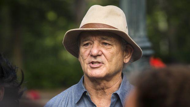 Bill Murray pernah diundang ke acara Anthony Bourdain.