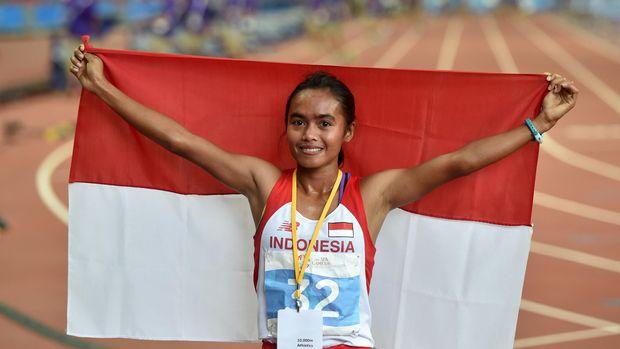 Triyaningsih dua kali raih emas SEA Games di nomor lari 10 ribu meter.