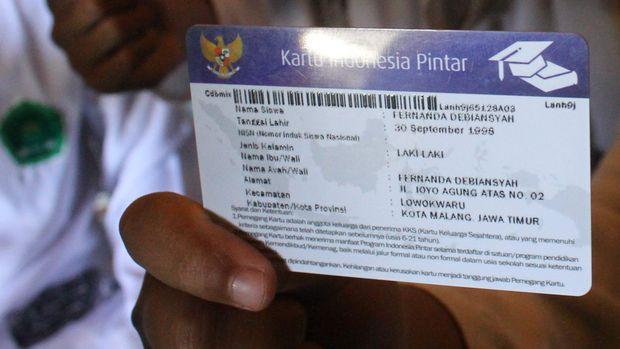 Kejujuran Arfan di Depan Jokowi soal Seragam Sekolah Pinjaman