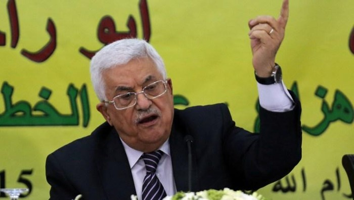 Palestinian Authority President Mahmud Abbas gestures during a meeting with the Revolutionary Council of his ruling Fatah party on June 16, 2015 in the West Bank city of Ramallah. AFP PHOTO / ABBAS MOMANI