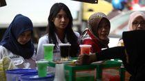 Pemkot soal Kerumunan di Johar Baru: Pembelinya Mancing, Tak Bisa Diatur