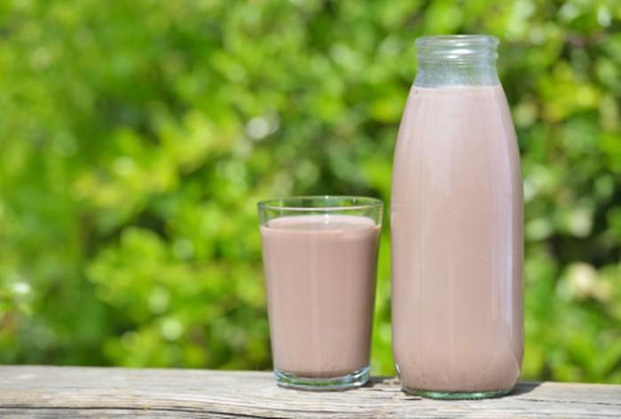 ilustrasi susu cokelat