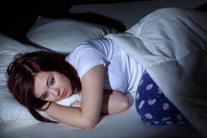 Ilustrasi zodiak yang tidur larut malam, hobi begadang. Foto: Thinkstock