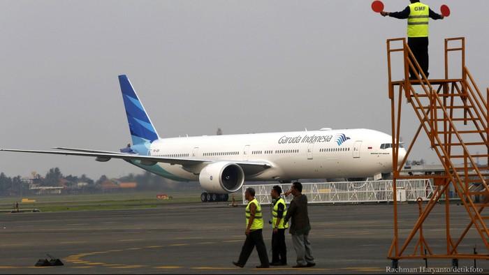 PT Garuda Indonesia Tbk (GIAA) datangkan pesawat Boeing 777-300ER untuk melayani penerbangan haji mulai Agustus 2015. Hari ini maskapai pelat merah itu menerima B777-300ER ketujuhnya di Hanggar 2 Garuda Maintenance Facilities (GMF), kawasan Bandara Internasional Soekarno-Hatta, Cengkareng. Rachman Haryanto/detikcom.