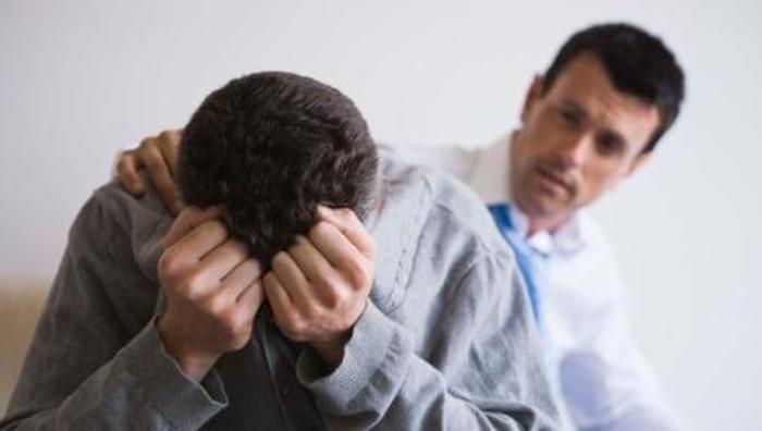 Konon pria gampang baper kalau dibilang tidak memuaskan (Foto: ts)