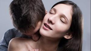 Orgasme Juga Bisa Didapat Hanya dari Stimulasi Payudara Lho