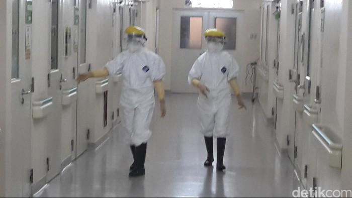 Suasana unit isolasi di rumah sakit penyakit infeksi Sulianti Suroso