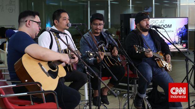 SORE saat tampil di Music at Newsroom di kantor CNNIndonesia.com