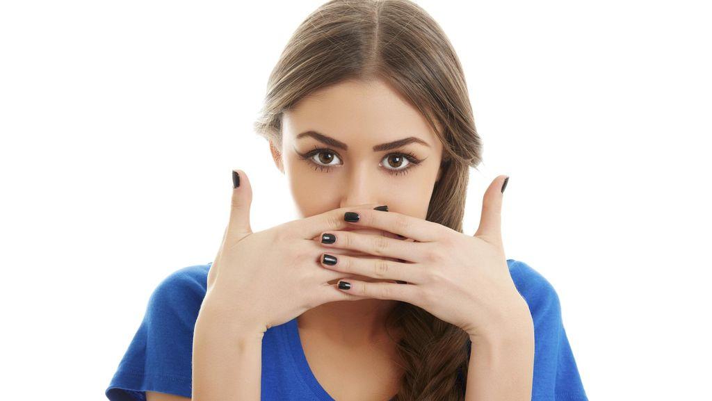 Gadis Ini Punya Penyakit Misterius, Giginya Tanggal Tiap Kali Bersin