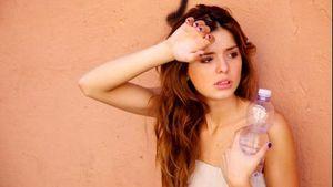 Berpanas-panas di Hari Tanpa Bayangan, Begini Tips Hindari Dehidrasi