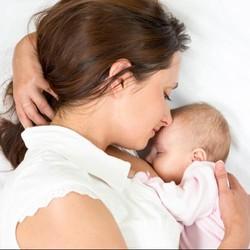 Cara Mengatasi Bayi yang Menggigit Puting Saat Menyusu