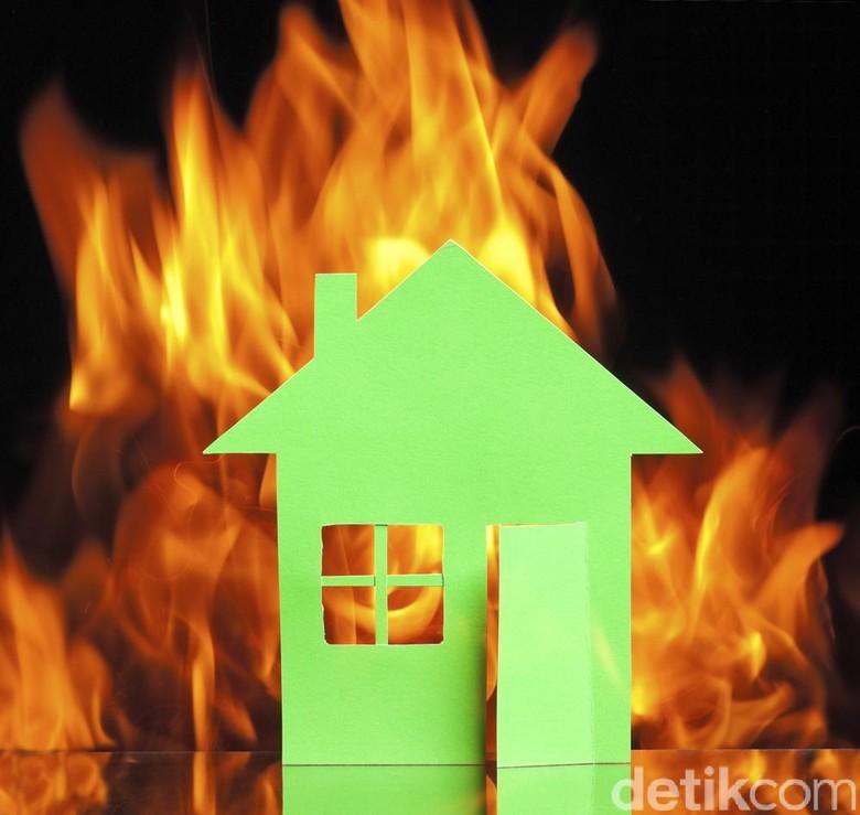 Ibu dan Dua Anakya Tewas Dalam Kebakaran Rumah di Medan
