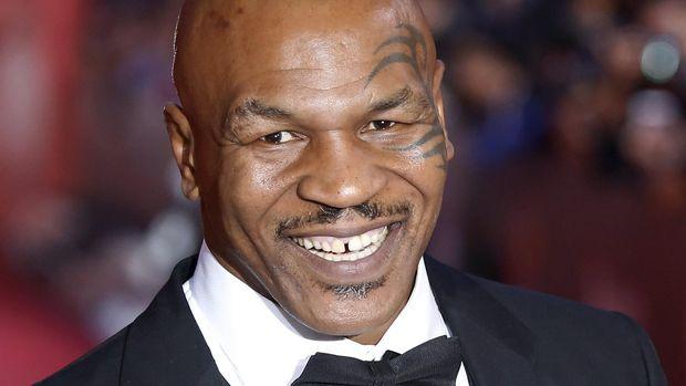 Mike Tyson kini memiliki bisnis ganja sebagai salah satu sumber pemasukannya.
