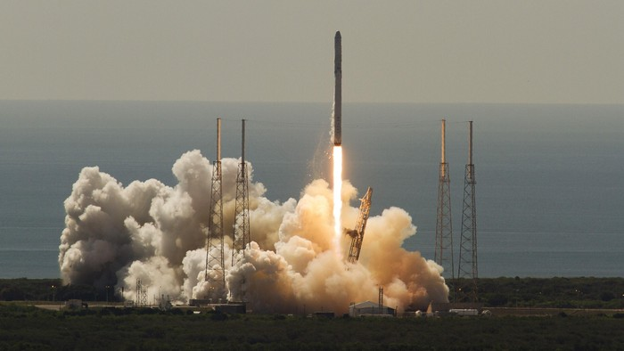 An unmanned SpaceX Falcon 9 rocket launches from Cape Canaveral, Florida, June 28, 2015. The rocket exploded about two minutes after liftoff on Sunday, destroying a cargo ship bound for the International Space Station, NASA said. REUTERS/Mike Brown