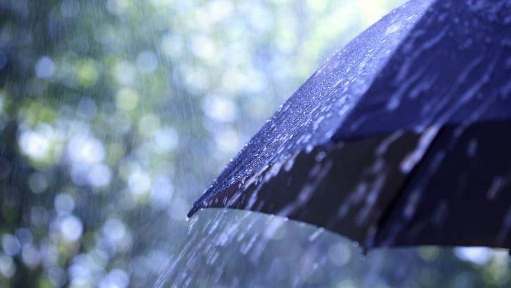 Waspada! Hujan dan Angin Kencang Diperkirakan Melanda Jateng Siang Ini