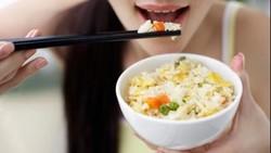 Maunya Kenyang, Langsung Makan Nasi Ketika Buka Puasa Malah Begah