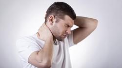 Nyeri yang kita rasakan di tubuh tidak selalu karena tekanan fisik. Tekanan emosional juga kerap memicu nyeri di 9 lokasi berikut.