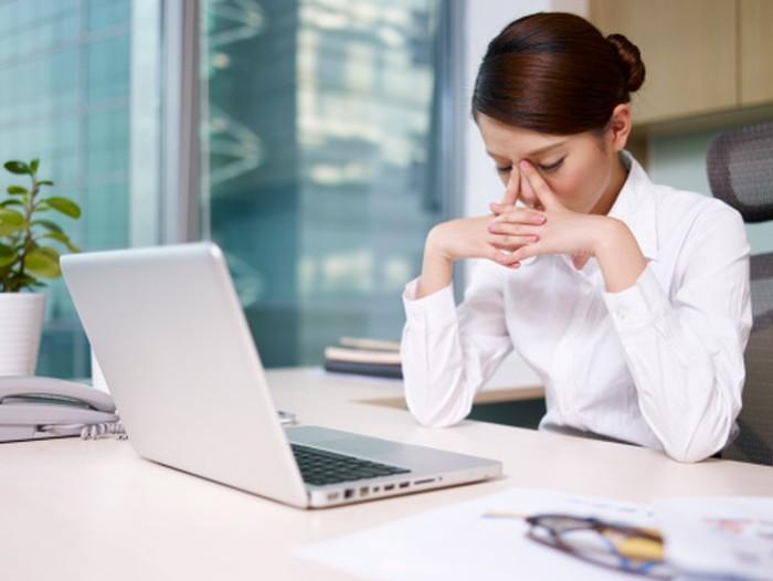 Terus-terusan mencoba mengatasi rasa nyeri bisa menguras energi, bahkan jadi sulit tidur dan olahraga. Seperti misalnya wanita yang mengalami nyeri haid selama beberapa hari. Foto: Thinkstock
