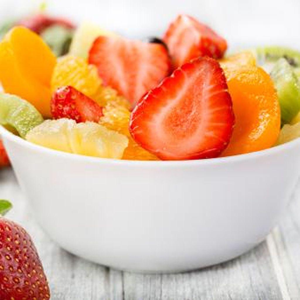 10 Buah yang Ampuh Bantu Turunkan Berat Badan, Bunda Perlu Coba