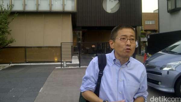 Profesor Jepang yang Mendapat Banjir Komentar Atas Dua Bukunya
