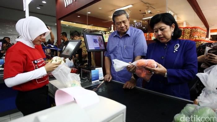 Sebelum wafat hari ini, Ani Yudhoyono dirawat di Singapura karena kanker darah (Foto: Grandyos Zafna)