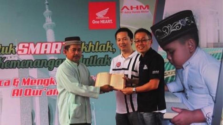 Safari Ramadhan Honda Donasikan 24.525 Alquran ke Seluruh Indonesia