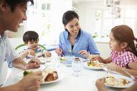 Tradisi Makan Malam Bersama Keluarga di Inggris Mulai Pudar
