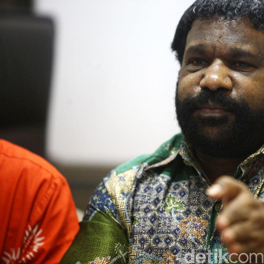 Lenis Kogoya: Rusuh Papua Reda Bila Tokoh-tokoh Adat Tenangkan Massa