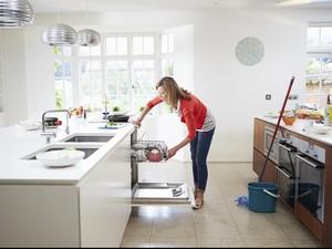 Viral di China, Istri Melakukan Pekerjaan Rumah Tangga Dibayar Rp 100 Jutaan