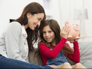 Cara Memberi Pemahaman Nilai Uang pada Anak