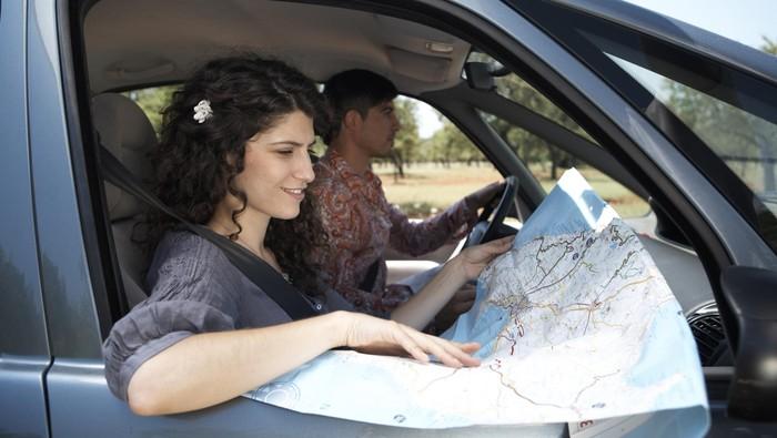 Kamu tim buka jendela atau nyalakan AC saat macet? Foto: thinkstock