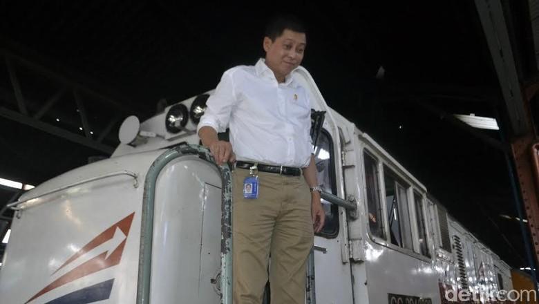 Pakai Jet Kecil, Menhub Jonan Bertolak ke Papua Pantau Evakuasi Trigana Air