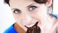 Hati-Hati Konsumsi Hidangan Khas Lebaran Agar Gigi Tetap Sehat