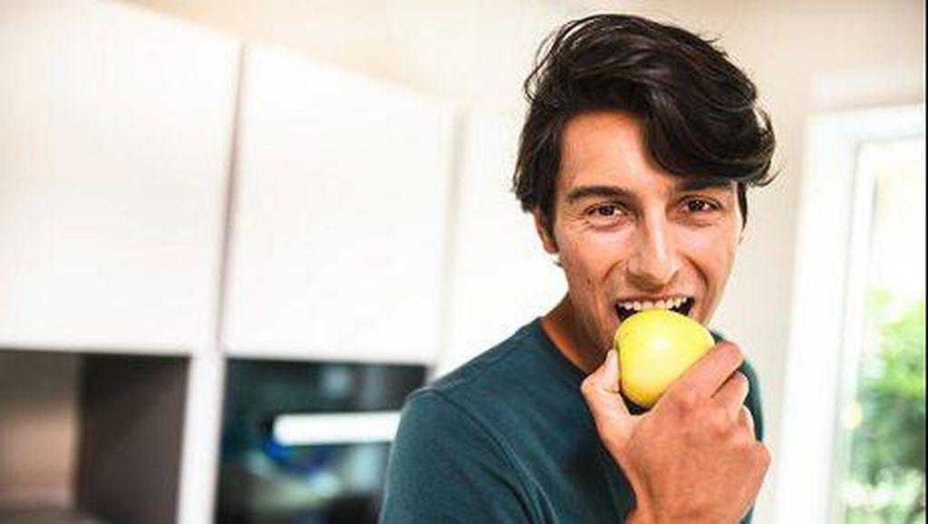 Sarapan Apel hingga Ubi Bisa Lancarkan BAB di Pagi Hari