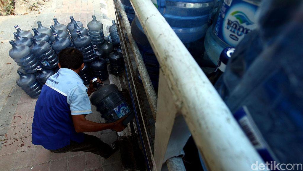 Banjir Surut, Pabrik Aqua Mulai Proses Pemulihan