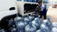 Netizen Waswas Air Aqua Tercemar Banjir, Ini Tanggapan Danone