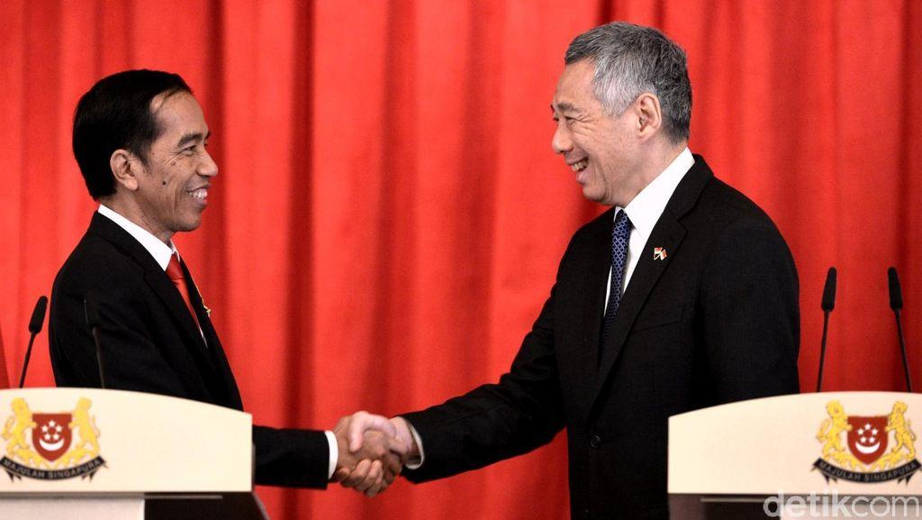 Di Bangkok, Jokowi-PM Lee Bahas Pertemuan Tahunan RI-Singapura