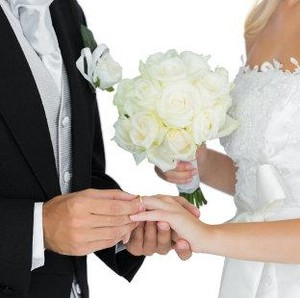 Tampilkan Tarian Erotis di Pernikahan, Pasangan Viral Ini Dihujat