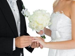 Viral, Pernikahan Bos Jamu dengan Wanita Cantik yang 36 Tahun Lebih Muda
