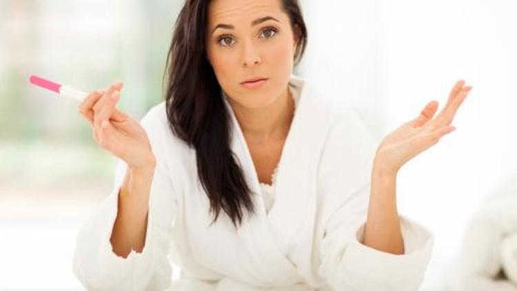 4 Test Pack Hasilnya Positif, Tapi Perempuan Ini Nggak Hamil