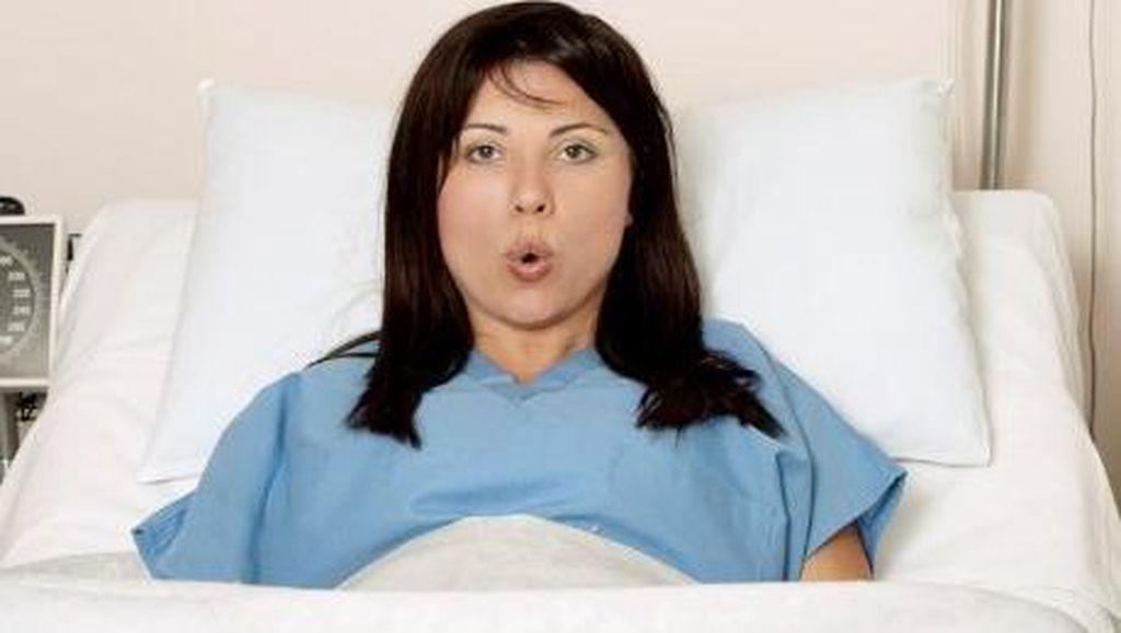 5 Cara Mengurangi Rasa Sakit Saat Melahirkan