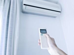 Kocak, Cara Pintar Wanita Atasi AC yang Bocor Ini Jadi Viral