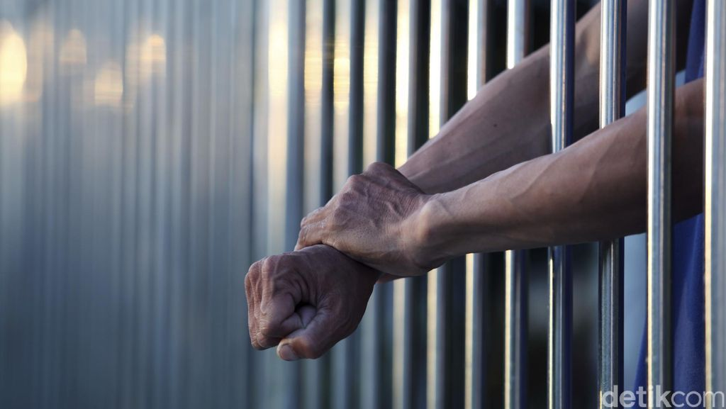 Jadi Homoseks karena Penjara Penuh, Mungkinkah? Ini Kata Seksolog
