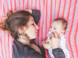 Cerita di Balik Bayi yang Tidur Pulas dan Empengnya