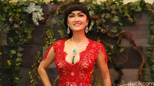 Julia Perez Ulang Tahun, Lihat Foto-fotonya Lagi Yuk!