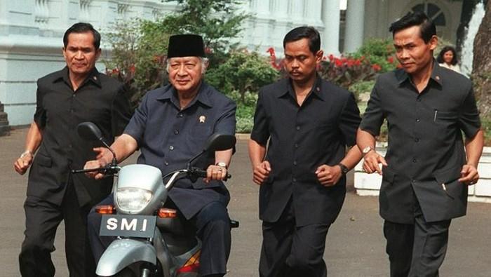Mantan Presiden Indonesia Soeharto.