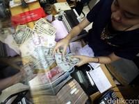 Tutup Akhir Pekan, Rupiah Paling Perkasa di Asia
