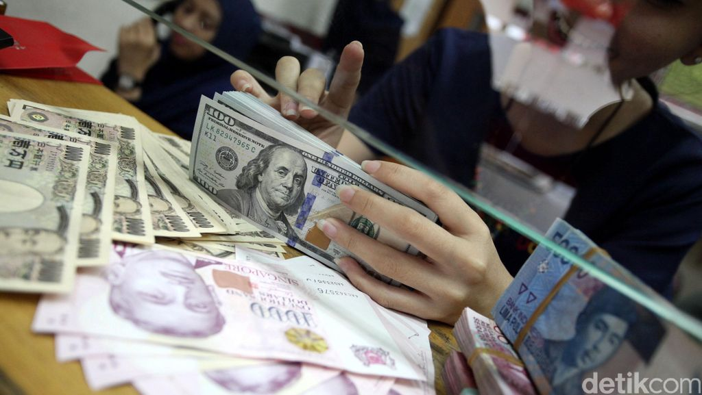 Wait! Kontrak Yuan-Rupiah Tak Otomatis Geser Dominasi Dolar AS